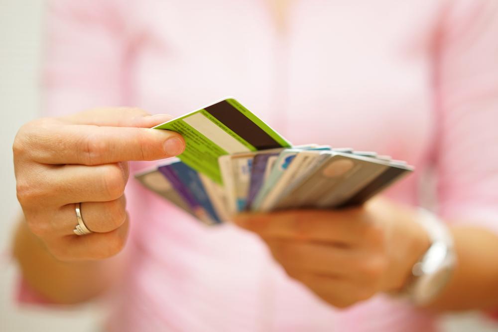 6 นิสัยสร้างหนี้ ที่ต้องแก้ไขด่วน - MoneyHub